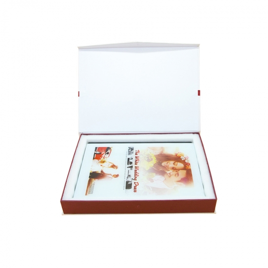Magnetic closure box customized